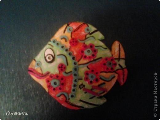 Уже так много рыбок живет в стране Мастеров! И все они замечательные. Решила тоже попробывать сделать похожих и украсить детскую моего сына.  Как же их интересно делать! фото 4