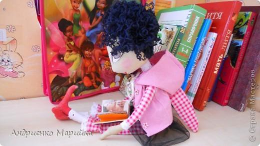 Примитивная кукла ароматизирована Лавандой. Прочитала что Лаванда борется с микробами..по этому в период гриппа сделала именно этот аромат. Ароматная вата вложена в сердечко)) фото 2