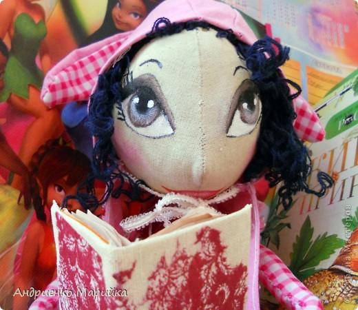 Примитивная кукла ароматизирована Лавандой. Прочитала что Лаванда борется с микробами..по этому в период гриппа сделала именно этот аромат. Ароматная вата вложена в сердечко)) фото 5