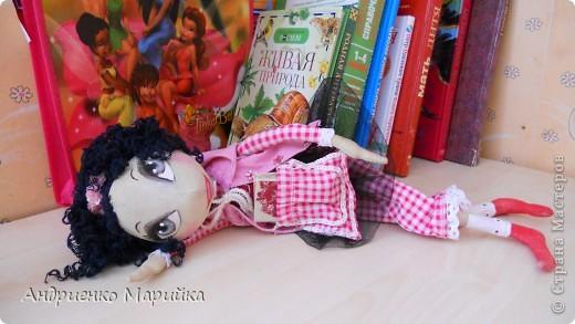 Примитивная кукла ароматизирована Лавандой. Прочитала что Лаванда борется с микробами..по этому в период гриппа сделала именно этот аромат. Ароматная вата вложена в сердечко)) фото 7