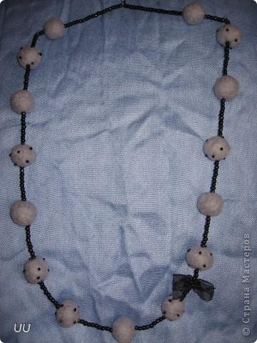 Созданы из моих первых валяных бусин. фото 2