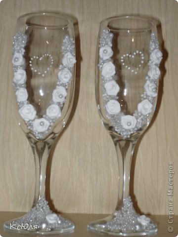 """У брата мужа скоро свадьба, вот и взялась я за подготовку. Бутылку и свечи сделала еще до Нового года, а вот бокалы """"ушли"""" другой паре фото 2"""