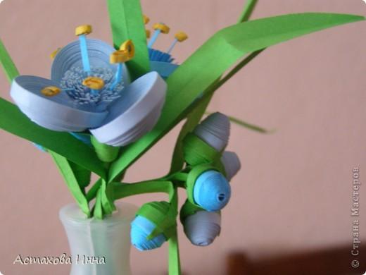Очень люблю этот садовый цветок, долго вынашивала идею сделать его в технике квиллинг. Вот , получилась такая корзинка. фото 4
