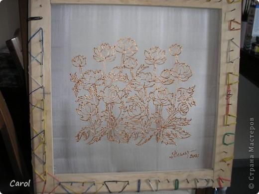 "Купальница. Размер 45х45 см, шелк 22, ""бронзовый"" резерв, краски для шелка ""Марабу."" На снимке батик на рабочей раме. фото 3"