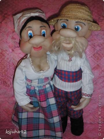 """Ось під хороший настрій в мене з""""явилися такі собі Семен і Одарочка. Дід в уяві малювався молодим козаком, але вийшов трохи старшим, а бабуля вийшла """"...ягодка опять..."""". фото 1"""