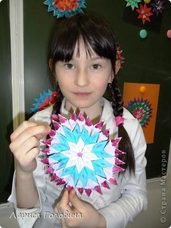 На уроке делали мозаику оригами. Это часть работ. фото 4