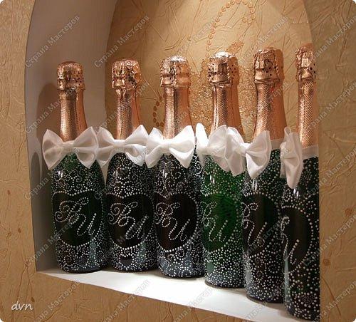 Vasil Dziashkouski hand made. Первый блин по росписи бутылочек. Такие маленькие бутылочки шампанского пойдут в качестве призов на свадьбе. фото 2