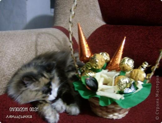 Мой третий букет из конфет.Делала на заказ на день рождения маминой подруги.Посмотрим как оценят. фото 4
