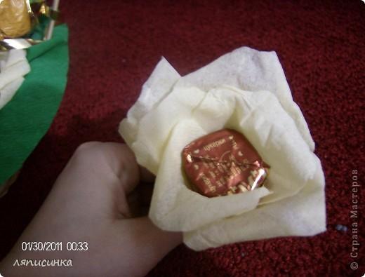 Мой третий букет из конфет.Делала на заказ на день рождения маминой подруги.Посмотрим как оценят. фото 3