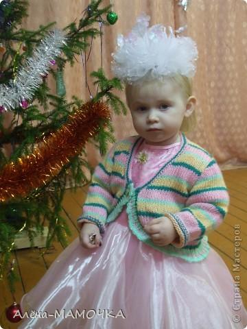 Дочка на новогодней ёлке. фото 1