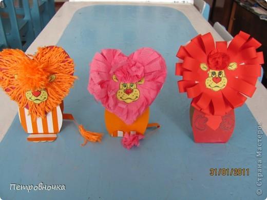 Три веселых львенка благодаря МК в стране мастеров. Мы пошли дальше и создали гривы из других материалов более доступных детям.  фото 1