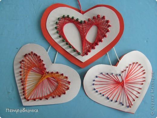Вот такие открытки с сердечками мы вышивали с первоклассниками. фото 2