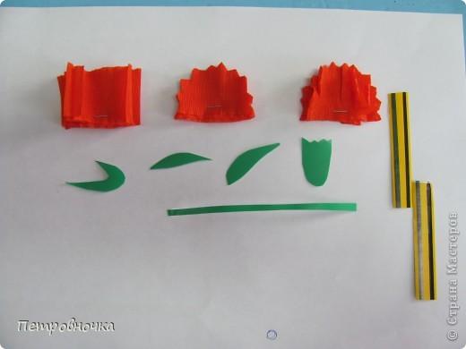 Гвоздики мы делаем ежегодно. Но МК помог начать новый выток творчества. Вот такие открытки мы делали с детьми к празднику. фото 2