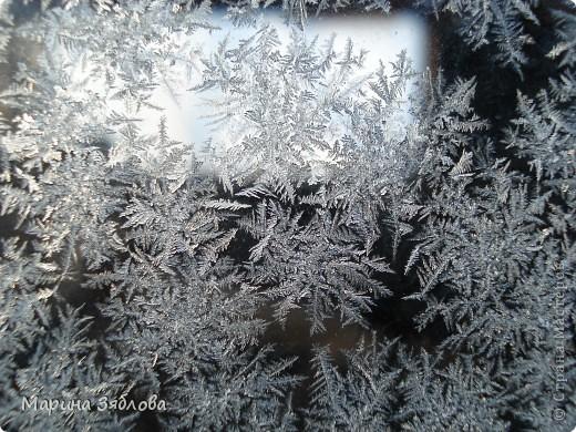 Морозные рисунки на стекле фото 1