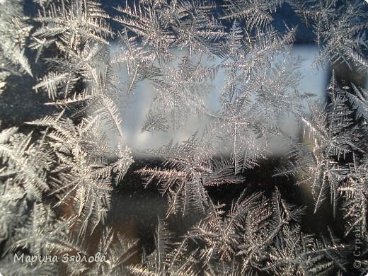 Морозные рисунки на стекле фото 10
