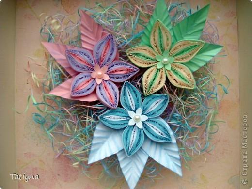 На этот раз решила сделать вот такую мини картину с разноцветными цветочками, работа еще в рамку не оформлена, хочу спросить у вас советы может что-то изменить, дополнить, может листья другой формы или цвета, вообщем приму ваши рекомендации фото 1