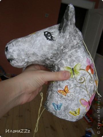 Лошадка на палочке из папье-маше. Сделать ее легко и просто из бросового материала фото 5