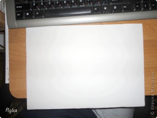 Видела где-то как девушка наносит с помощью принтера рисунок на ленту, вот мне и пришло в голову сделать полноценную ткань с понравившимся рисунком. Что нам понадобиться: 1. Лист бумаги формата А4 (плотная бумага! я делала на бумаге для акварели) 2. Ткань белая 3. Клей (лучше всего момент кристалл) 4. Ножницы (чтобы подравнять ткань по формату листа) 5. Ну и сам принтер)) фото 3