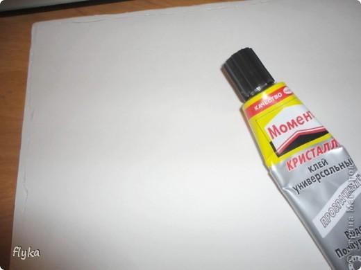 Видела где-то как девушка наносит с помощью принтера рисунок на ленту, вот мне и пришло в голову сделать полноценную ткань с понравившимся рисунком. Что нам понадобиться: 1. Лист бумаги формата А4 (плотная бумага! я делала на бумаге для акварели) 2. Ткань белая 3. Клей (лучше всего момент кристалл) 4. Ножницы (чтобы подравнять ткань по формату листа) 5. Ну и сам принтер)) фото 4