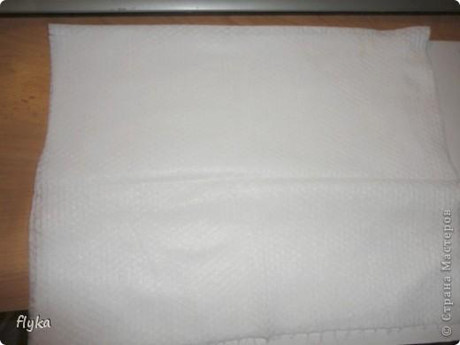 Видела где-то как девушка наносит с помощью принтера рисунок на ленту, вот мне и пришло в голову сделать полноценную ткань с понравившимся рисунком. Что нам понадобиться: 1. Лист бумаги формата А4 (плотная бумага! я делала на бумаге для акварели) 2. Ткань белая 3. Клей (лучше всего момент кристалл) 4. Ножницы (чтобы подравнять ткань по формату листа) 5. Ну и сам принтер)) фото 5