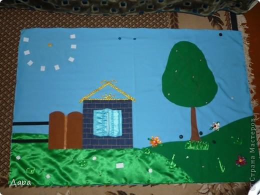 Панно для детского сада, полностью оформленное. Для работы исполь зованы ткани разных фактур - габардин, флис, атлас, креп-сатин, драп, трикотаж. Размер 1мх1,5м фото 2