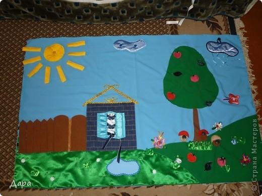 Панно для детского сада, полностью оформленное. Для работы исполь зованы ткани разных фактур - габардин, флис, атлас, креп-сатин, драп, трикотаж. Размер 1мх1,5м фото 1