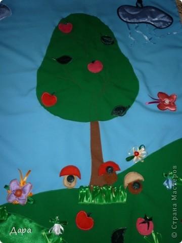 Панно для детского сада, полностью оформленное. Для работы исполь зованы ткани разных фактур - габардин, флис, атлас, креп-сатин, драп, трикотаж. Размер 1мх1,5м фото 3