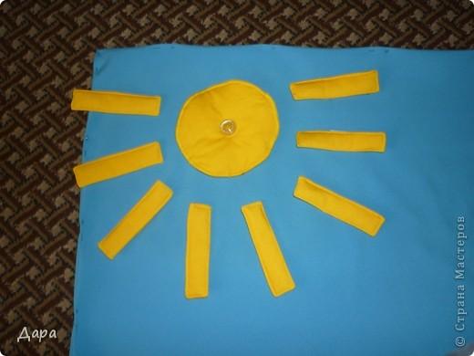 Панно для детского сада, полностью оформленное. Для работы исполь зованы ткани разных фактур - габардин, флис, атлас, креп-сатин, драп, трикотаж. Размер 1мх1,5м фото 4