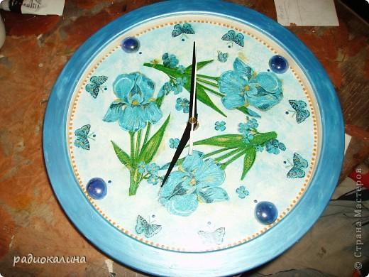 Моя любимая младшая сестренка - заядлый садовод и цветовод и поэтому попросила переделать для нее старые часы. фото 3