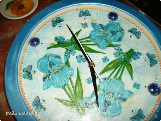 Моя любимая младшая сестренка - заядлый садовод и цветовод и поэтому попросила переделать для нее старые часы. фото 4