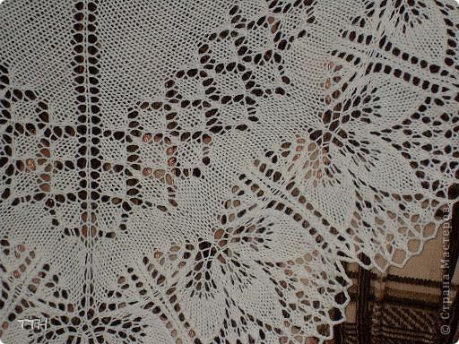 Очень нравится вязать эти шали. Шаль связана из 100% мериносовой шерсти 200м/50гр. Спицы 3.5,ушло 2 моточка. фото 3