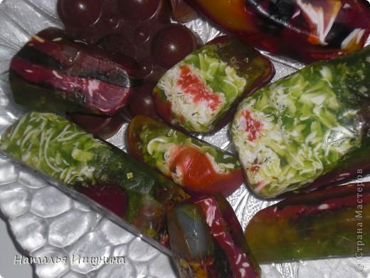 мыльные камни с оливковым маслом, ароматом мяты и лимона, стружкой детского мыла и морской солью фото 4