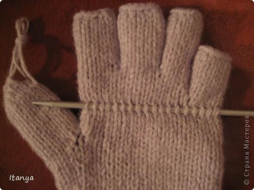 Эти варежки-перчатки мой дебют в вязании и варежек и перчаток. фото 3