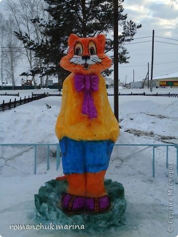 Вот такой снежный городок сделали воспитанники нашего детского дома совместно с воспитателями. фото 2
