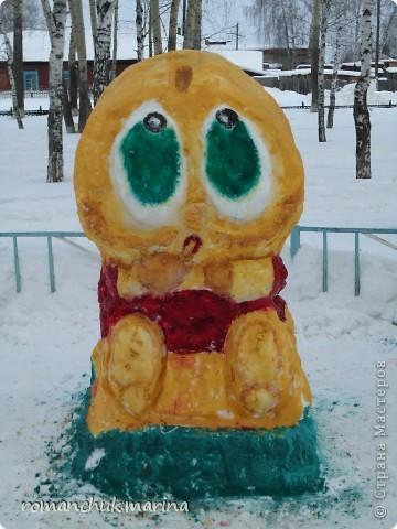 Вот такой снежный городок сделали воспитанники нашего детского дома совместно с воспитателями. фото 5
