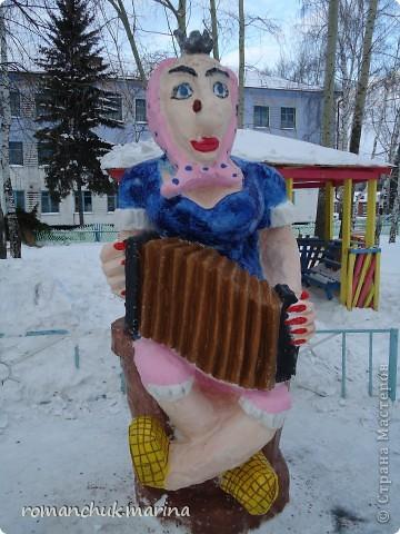 Вот такой снежный городок сделали воспитанники нашего детского дома совместно с воспитателями. фото 7