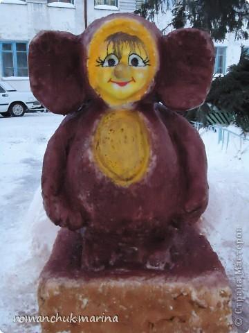 Вот такой снежный городок сделали воспитанники нашего детского дома совместно с воспитателями. фото 9