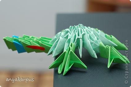 Моя дочь Катя (ей скоро 9 лет) увлеклась модульным оригами и вот ее дебют собственной идеи - черепашка (дочь не нашла ничего подобного на сайте и ей очень хотелось увидеть здесь свою поделку) фото 1