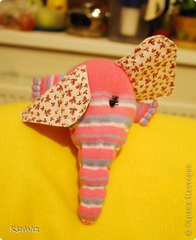 Доброе время суток! Это продолжение носочковой темы - Скромница Слоняшка. фото 1