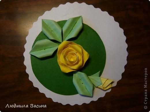 Розочки с торта Т.Н. Просняковой сложно оставить без внимания. На тортик мои студийцы не сподвиглись, а розы осилили. Работа, выполненная ученицей к дню рождения мамы. фото 3