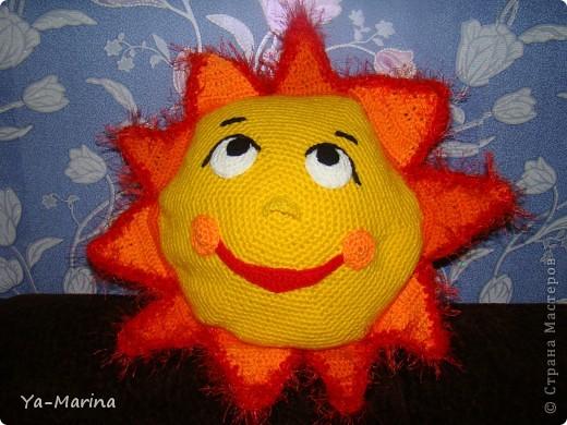 Зимой- она прибавляет солнышка и света, а заодно и  настроения))
