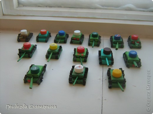 Вот такие танки получились у нас с подгоровительной группой в подарок папам на 23 февраля:-) фото 2