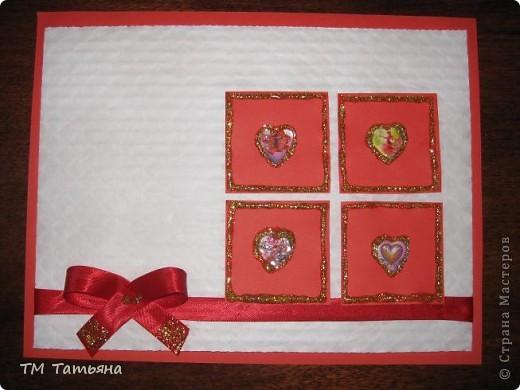 Мои первые   открытки  в  игре  по скетчу.  Материалы:Цветной  картон , цветная  бумага ,тесьма, бусины  в  виде  цветка , гель  с  блёстками , наклейки ,клей. фото 1