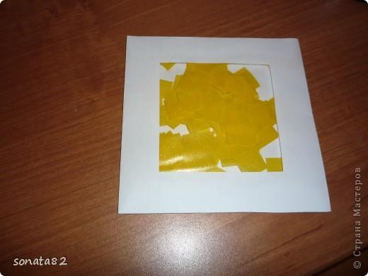 вот что получилось! было уже написано , что можно квадратики гофрированной бумаги в  конвертики из под дисков складывать! я подумала что можно самим сделать! фото 1