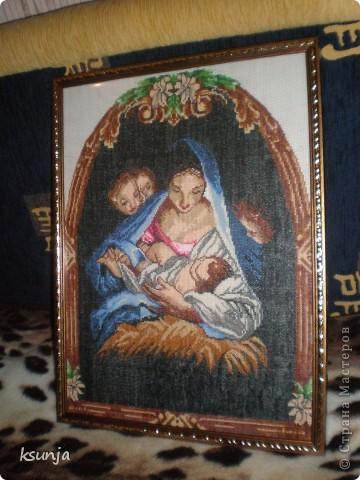 Казанская Божья Матерь. Ткань - лён, материал - бисер. Была подарена на новоселье))) фото 4