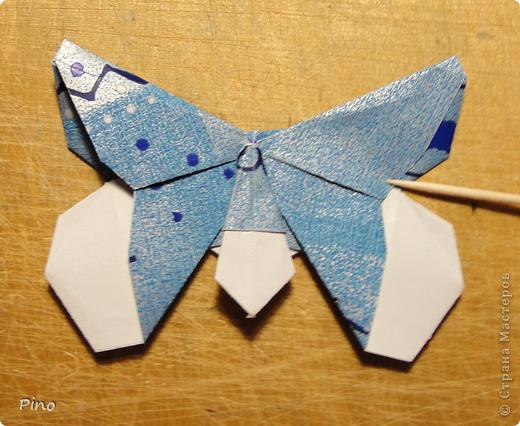 Эта бабочка из книги - Origami Butterflies - Michael G. LaFosse фото 1
