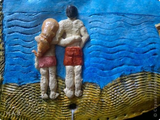 Моя тетя любимая просила вылепить из теста парня с девушкой у моря.  И я решила совместить рыбку с тем, что было задумано в начале. Вот так родилась моя рыбка))) фото 3