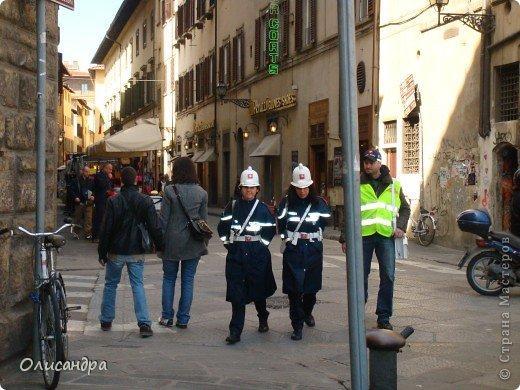 Италия встретила нас колоритным пейзажем...из теплиц и парников... фото 7