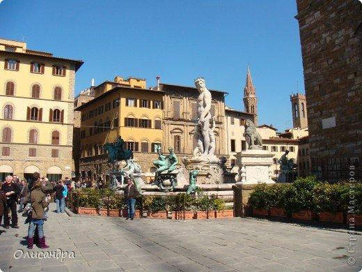 Италия встретила нас колоритным пейзажем...из теплиц и парников... фото 20