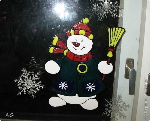 Снеговик на окне фото 2